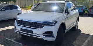 2018 volkswagen cc interior. Delighful Interior 2018 Volkswagen Touareg Caught Undisguised With Volkswagen Cc Interior