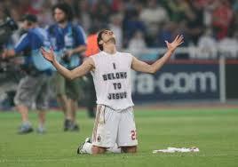 Αποτέλεσμα εικόνας για αθλητες πο κανουν το σταυρο τους