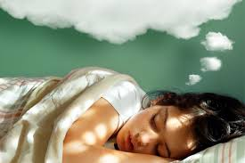 Resultado de imagem para pessoa dormindo sonhando