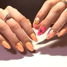 Oranžová Manikúra Jasný Design V Oranžové Barvě