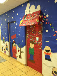 Christmas Booth Ideas Charlie Brown Snoopy Charlie Brown Door Decoration Charlie