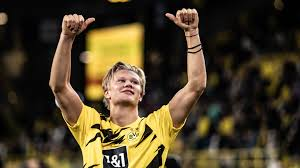 Whether you're looking for the best football pictures to decorate your home or office, or looking for a football poster or print as a gift for a football fan, you can choose from a huge range of iconic and current football pictures. Borussia Dortmund S Erling Haaland I Could Have Scored 50 Goals Last Season I Need To Be More Clinical Bundesliga