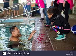 171016 n pd 309 239 north little rock arkansas 16 oktober 2017 navy diver 3 kle sean bieschke aus baltimore maryland zu mobilen tauchen und