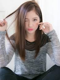 自然な人気ストレートヘア髪型ヘアスタイル