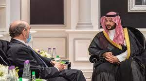 الأمير خالد بن سلمان يبحث تعزيز استقرار المنطقة مع المبعوث الأمريكي لإيران