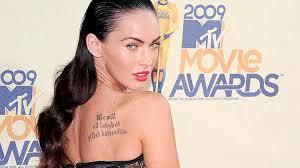 Super účes S Mokrým Efektem Podle Herečky Megan Fox Proženy