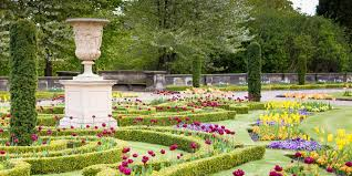 the upper flower garden has been red based on the original layout of sir charles barry s design the horticultural schemes it once contained were