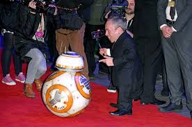 Warwick ashley davis (born 3 february 1970) is an english actor, television presenter, writer, director, comedian, and producer. 19 Big Name Star Wars The Force Awakens Cameos You Probably Missed Nme