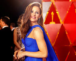 It just put so much anxiety in our little jennifer garner just gave an interview to the hollywood reporter, where she described in disturbing detail what it's like to be stalked by paparazzi. Meet The Dream Team Behind Jennifer Garner S Best Body Ever