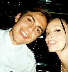 Oriana Sabatini e Paulo Dybala a tutto amore, le foto private