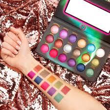 Aurora Lights 18 Color Baked Eyeshadow Palette