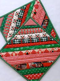 Quilted Christmas Strip Pot Holders / Hot Pads / Trivets / Mug Rug ... & Quilted Christmas Strip Pot Holders / Hot Pads / Trivets / Mug Rug / Candle  Mats Adamdwight.com