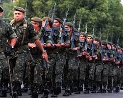 Resultado de imagem para povo forças armadas nas ruas