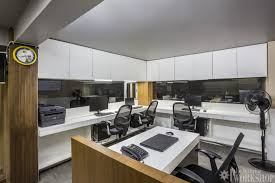 modern style office. Lighting Design In This Office Is Very Unique And Stylish Way Which Keeps Coordination Link With All Areas Also As A Highlighter Ceiling Modern Style R