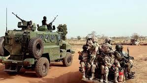 Boko Haram envahit deux bases militaires dans le Nord-Est