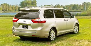 2015 Toyota Sienna Brings Refreshed Touchscreens + Dark New Nose ...