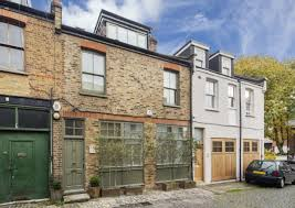 Contemporary 2 Bedroom Mews Home In Stylish KensingtonMews Home