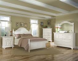 country beach style bedroom decor idea. Creative Inspiration White Cottage Bedroom Furniture Interior Designing  Home Ideas Style Antique Country Beach Style Bedroom Decor Idea C
