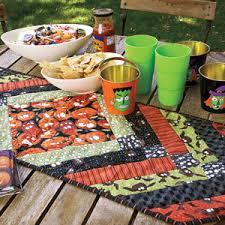 Munchies: FREE Halloween Table Runner Quilt Pattern & Monster Munchies: FREE Halloween Table Runner Quilt Pattern Adamdwight.com