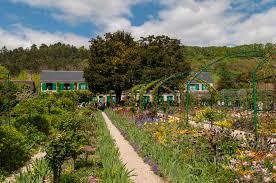 claude monet garden. Plain Garden FilClaude Monet House And Garden In Giverny 8741496041jpg In Claude Garden L