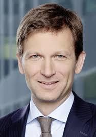 Seine Vorgängerin Isabelle Welton war seit 2010 Vorsitzende der Geschäftsleitung der IBM Schweiz. Sie wird nun Vice President, Brand Systems, im Management ... - Christian_Keller_IBM