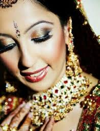 we present you 30 indian bridal looks that will give you an idea of the makeup attire co ordination and some tips that will e handy if you have a