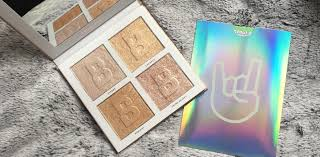 Beauty Bay Living My Best Light Highlight Palette In Brilliance Review Delicate Bouncy Beam Highlighter Palette By Beauty Bay