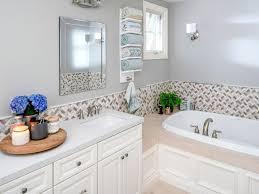 A Bathroom Custom Decorating Design