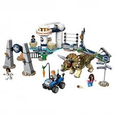 Конструктор <b>Lego Jurassic World Нападение</b> трицератопса 75937