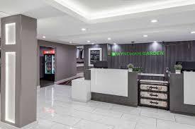 lobby wyndham garden hotel airport metairie
