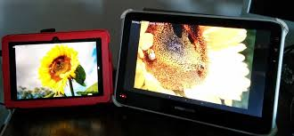 this post describes the usage of diffe versions of the digital photo frame android app available in google play and app