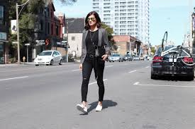 everlane luxe sweater cardigan street shoe brandy melville black muscle tank zara black ankle jeans old navy mirrored sunglasses