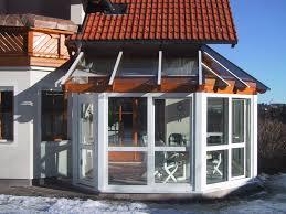 Wintergarten Mit Holzkonstruktion Pvc Elemente Und Glasdach