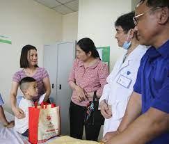 Phẫu thuật nhân đạo cho 60 trẻ em mắc khuyết tật ở Nghệ An và Hà Tĩnh |  Bệnh viện Quốc Tế Vinh