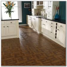 Vinyl Flooring In Kitchen Best Vinyl Flooring For Kitchen Kitchen Set Home Decorating