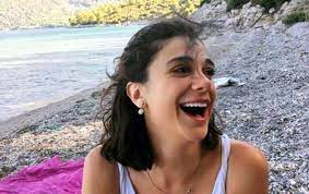Vahşice öldürülen Pınar Gültekin'in cenazesi...