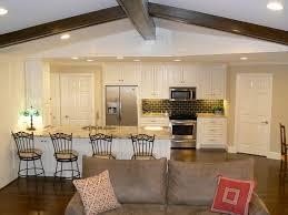Offene Küche Und Wohnzimmer Ideen Mit Grau Sofa Und Klein