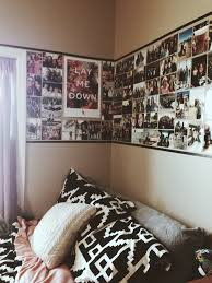 bedroom decoration college. Fine College 18 Wall Decoration Ideas For Dorms 20 Cool College Dorm Room House  Design And Decor  Mcnettimagescom Intended Bedroom E