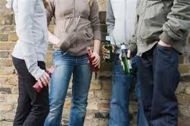 Алкоголизм как социальная проблема молодые люди с алкогольными напитками
