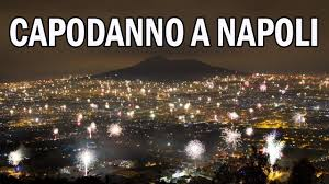 Capodanno a Napoli 2021 SPETTACOLARE!!! Fuochi d'artificio per il nuovo  anno - YouTube