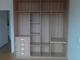 foto closet pequeño para departamento donde el espacio es reducido de soluciones integrales de carpinteria y barniz 120020 habitissimo