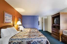 Americas Best Inn And Suites Emporia Rodeway Inn Suites Emporia Ks Bookingcom