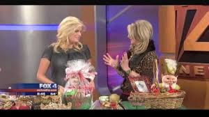 Donna Decorates Dallas Donna Moss Donna Decorates Dallas How To Gift Wrap Glitter And