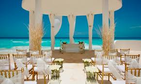 this beach situated in mexico will surely make your wedding a grand affair and that too within your budget the beautiful view of the caribbean sea is