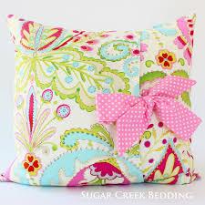 tiana bow pillow
