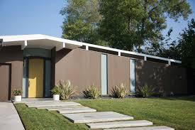 <b>Modern Concrete</b> Paver Walkway Ideas