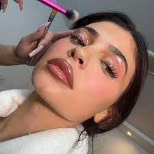 Kylie's Snatched Gloss Look