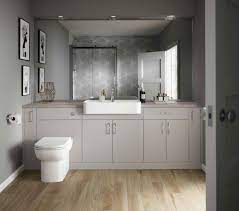 5 tips on how to make a small bathroom