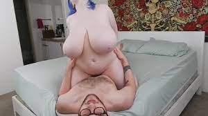 Huge Natural Tits Amateur