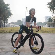 Perubahan penampilannya sejak kecil hingga sekarang pun. 5 Gaya Pakaian Bersepeda Selebritis Indonesia Dari Luna Maya Hingga Pevita Pearce Fashion Fimela Com